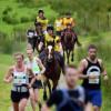Maratonul oamenilor și al… cailor