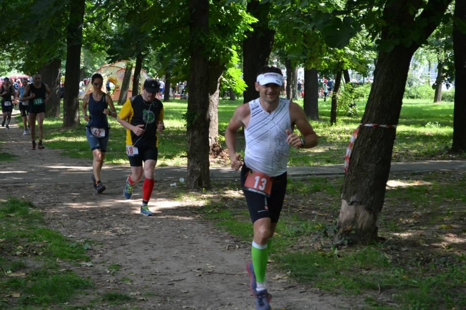 Alergand maratonul, dupa cei 4 km de inot si cei 180 de km de bicicleta