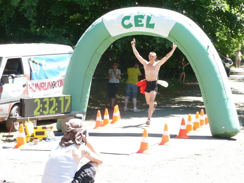 Mugur la finish-ul semimaratonului de la Tusnad, primul sau concurs sportiv, in 2009