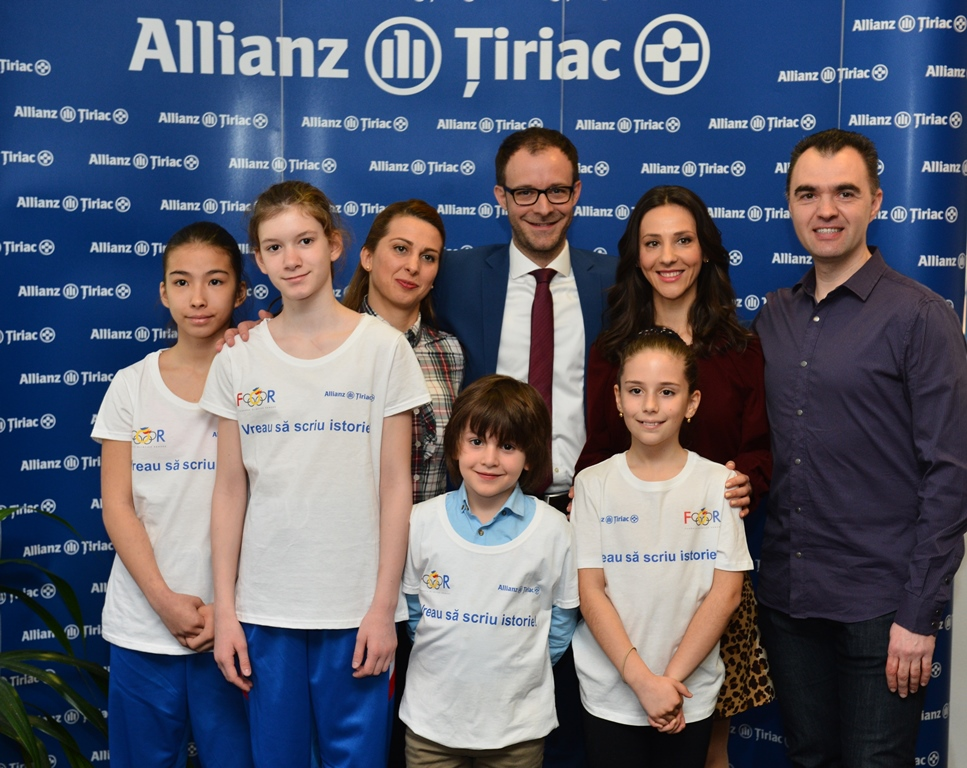 FOR, Allianz Tiriac, tineri bursieri si antrenorii lor
