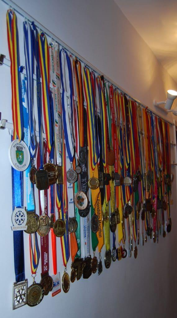 Medaliile lui Serban foto credit arhiva personala
