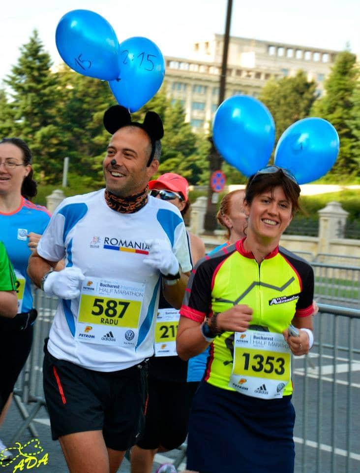 eu, pacer la Maratonul Bucuresti, proba de semi, acum 2 ani :) foto arhiva personala