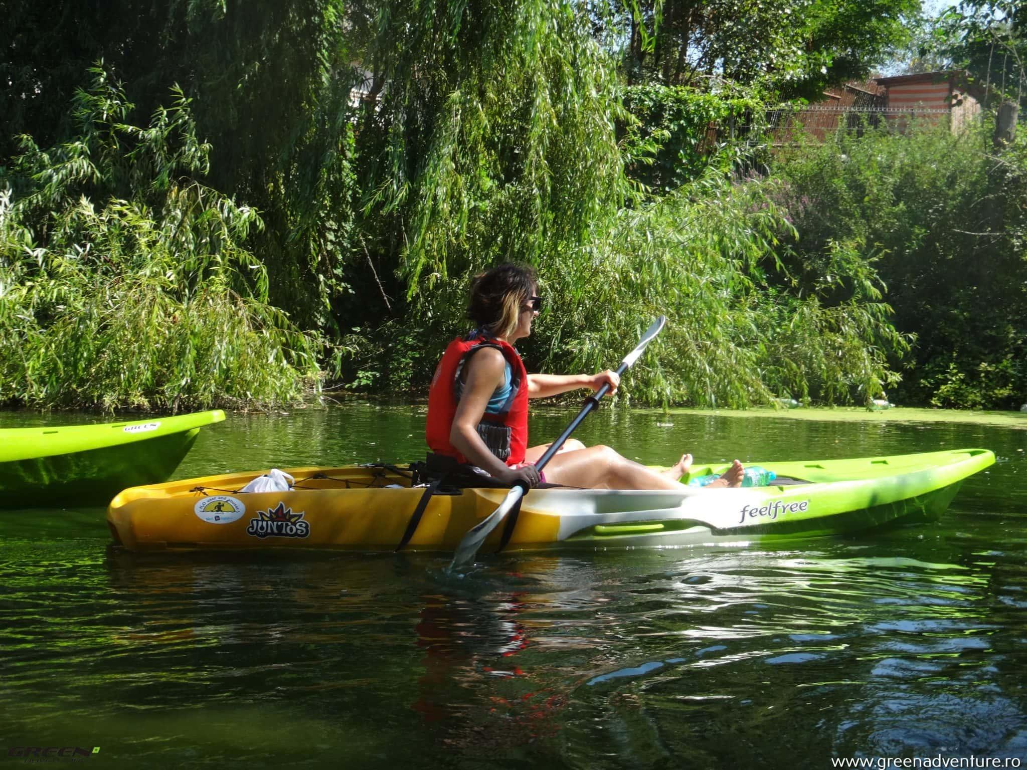 AVENTURĂ. Cu caiacul pe râul Neajlov, lângă București