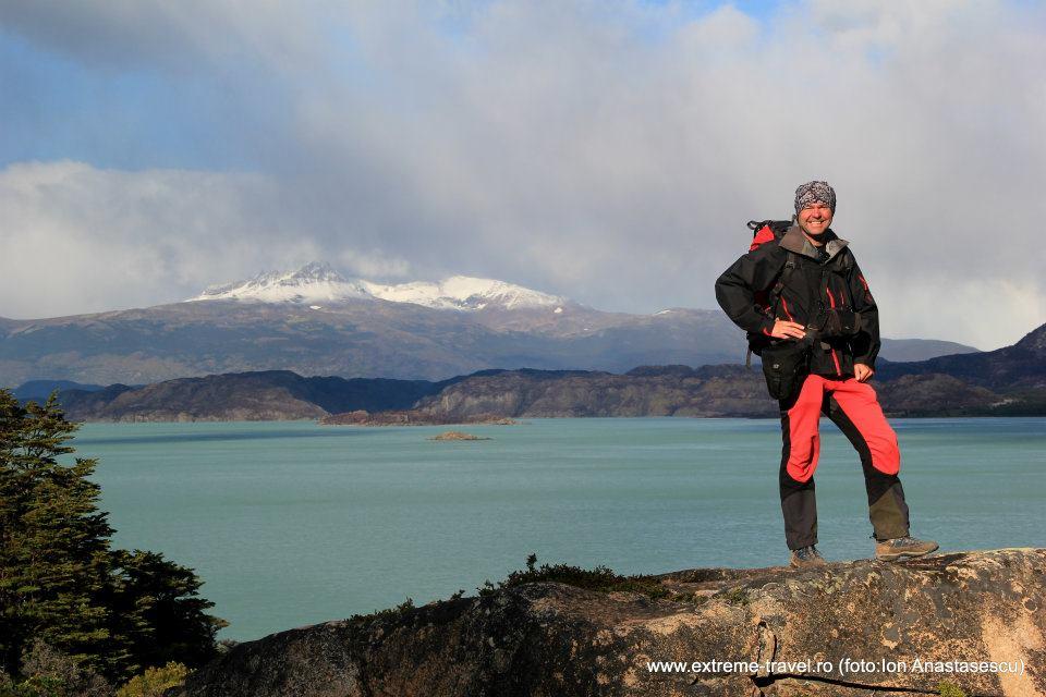 Radu Vatcu in parcul Torres del paine, Patagonia Chiliana