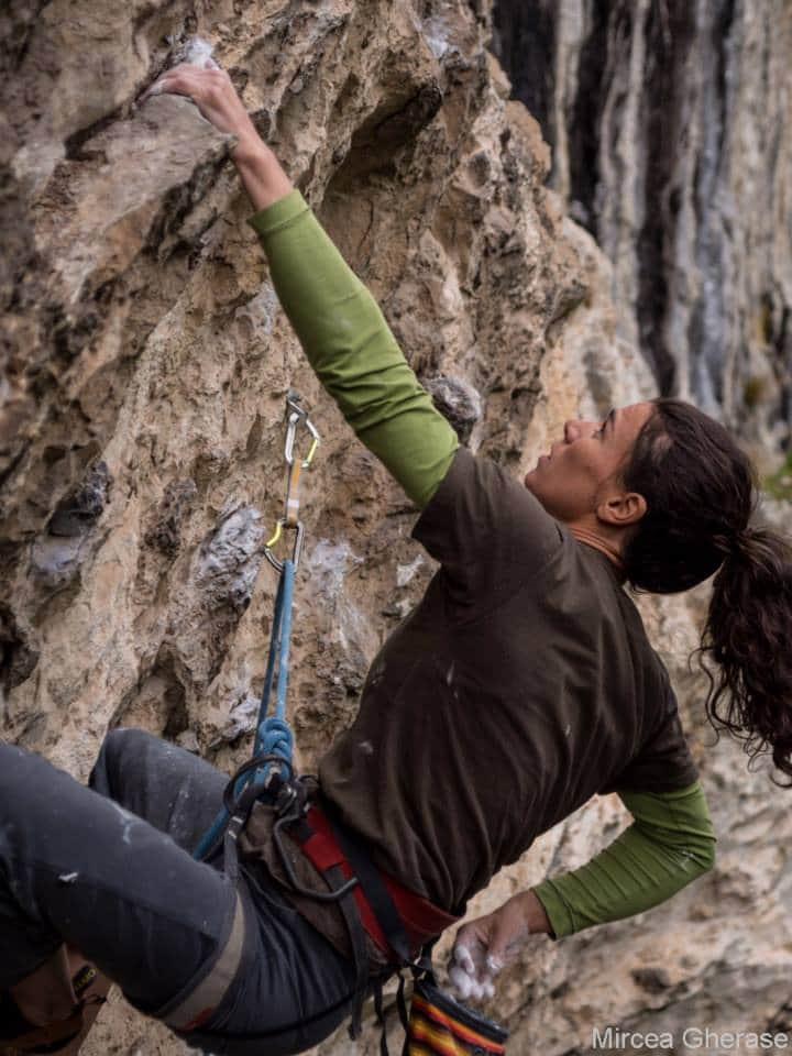"""Alpinista Cristina Pogăcean: """"Frica este abilitatea corpului de a se apăra, este un lucru bun că există"""""""
