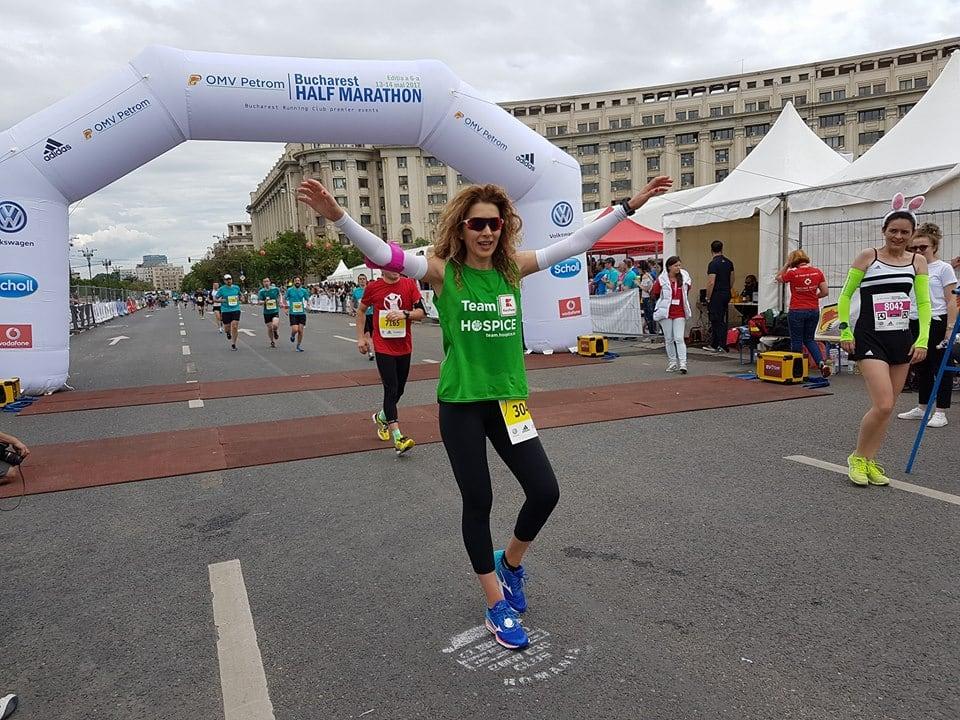 """Carmen Brumă: """"Sportul mă face să mă simt puternică şi în control"""""""