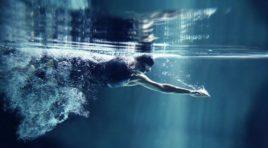 Până la urmă, de ce înoți?