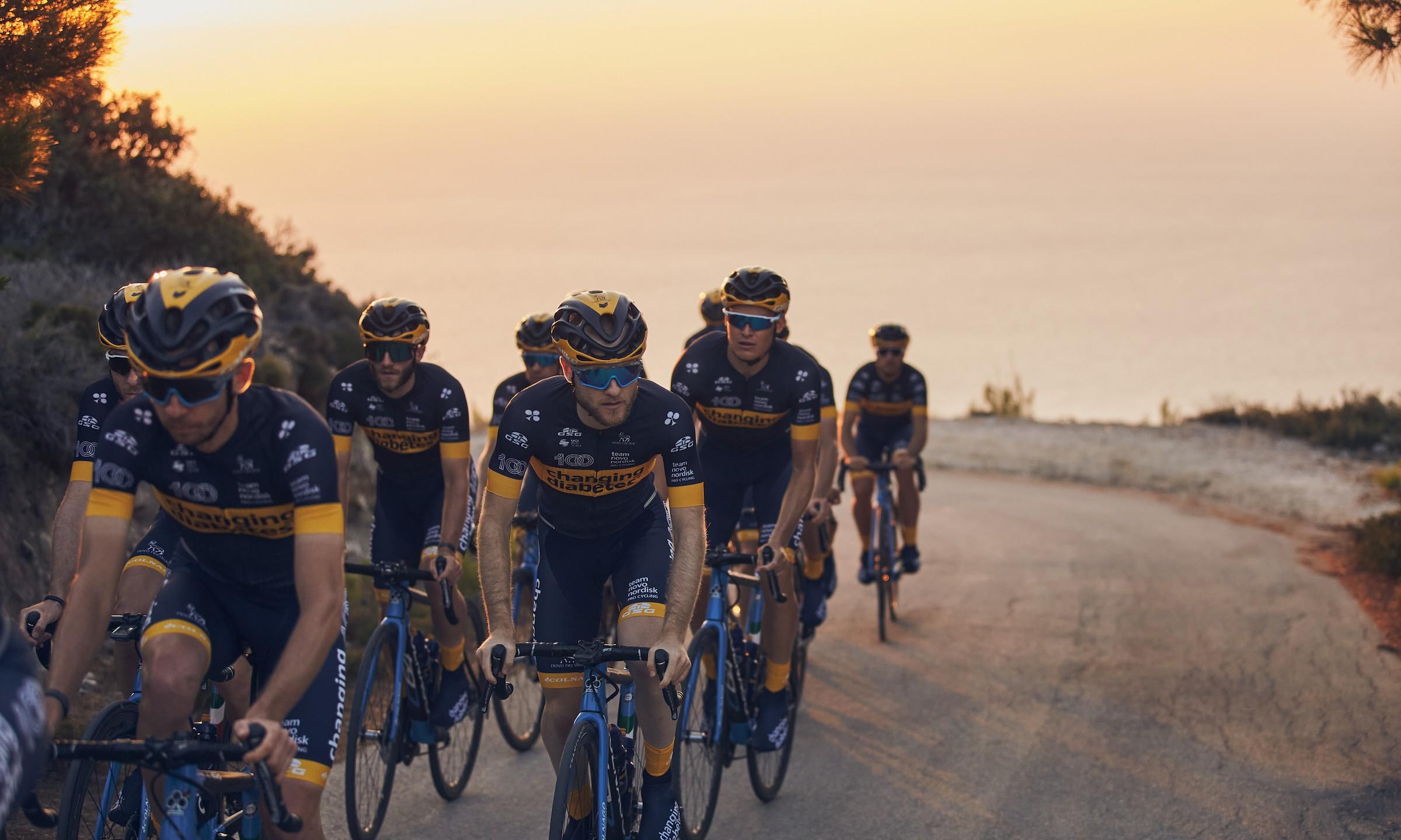 Cicliști profesioniști cu diabet concurează la Turul Ciclist al Sibiului